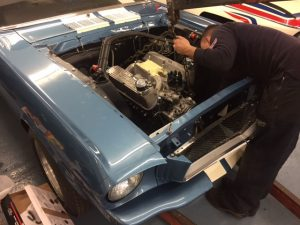 1965-shelby-mustang-gt350r-289-engine-installation