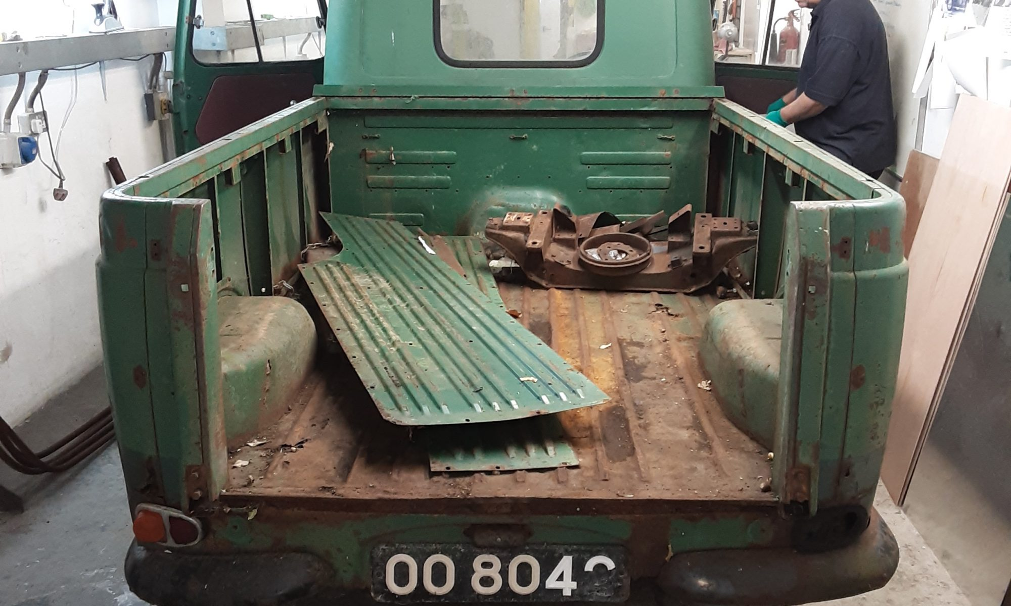 Morris J4 pickup restoration