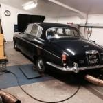 Jaguar MkX rolling road