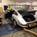Porsche 911 2.4S rolling road