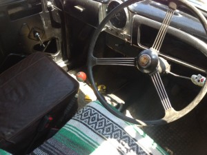 Morris Minor Pickup 1098 interior