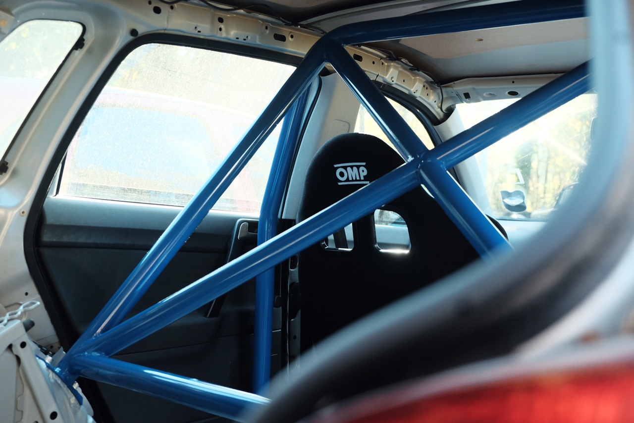 VW Polo roll cage fabrication MSUK rally preparation